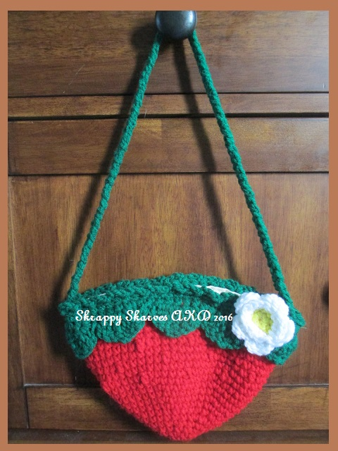 14e Child's Strawberry Bag